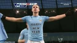 Enlace a GIF: ¡Dzeko os desea Feliz Año Nuevo!