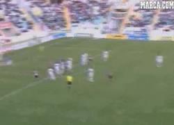 Enlace a GIF: Golazo en Segunda, Manu Lanza, CE Sabadell vs Elche