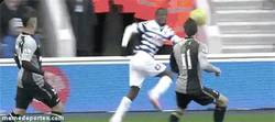 Enlace a GIF: Sombrerito de tacón de Wright Phillips