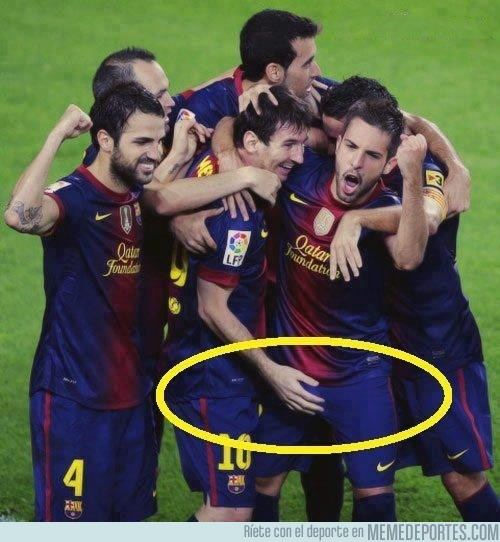 67829 - Esa manita, Messi