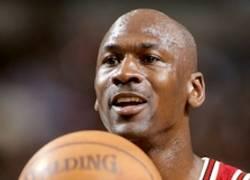Enlace a ¿Vuelve Jordan con 50 años?