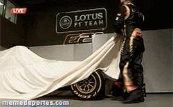 Enlace a GIF: La nueva arma de Kimi Räikkönen y Romain Grosjean