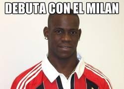 Enlace a Debuta con el Milan y marca en el minuto 26