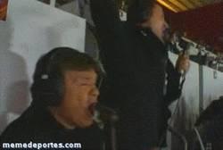 Enlace a GIF: Camacho volviéndose loco con el gol de Iniesta en la final del Mundial 2010 [REMEMBER]