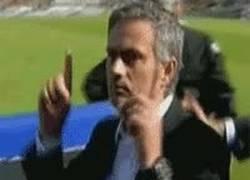 Enlace a GIF: Mi reacción cuando hace gol el jugador que yo había dicho