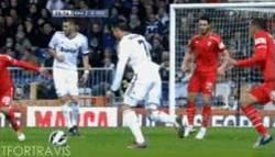 Enlace a GIF: Golazo de Cristiano Ronaldo