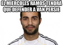 Enlace a El miércoles Ramos tendrá que defender a Van Persie