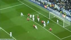 Enlace a GIF: El gol de Welbeck contra el Real Madrid visto desde arriba