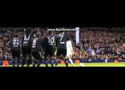 Enlace a VÍDEO: Segundo golazo de falta de Bale vs Lyon en una misma noche