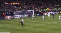 Enlace a GIF: Golazo de Umtiti contra el Tottenham