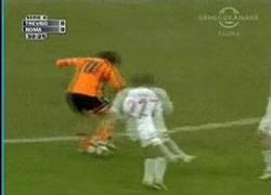 Enlace a GIF: Jugadón de Totti [remember]