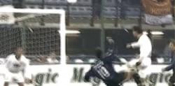 Enlace a GIF: Golazo de Roberto Baggio [remember]
