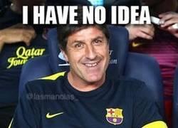 Enlace a Jordi Roura con el Barça en sus manos