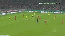 Enlace a GIF: Golazo de Robben contra el Borussia Dortmund