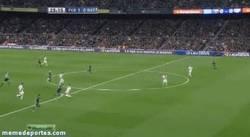 Enlace a GIF: Cañito de Messi contra el Rayo