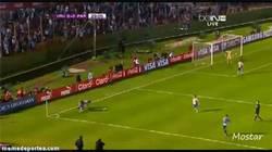 Enlace a GIF: Gran detalle de calidad de Luis Suárez