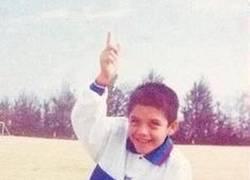 Enlace a Alexis, de pequeño ya sabía dónde mandaría los balones
