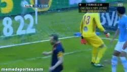 Enlace a GIF: Con este gol, Messi le marca a todos los equipos de la Liga consecutivamente