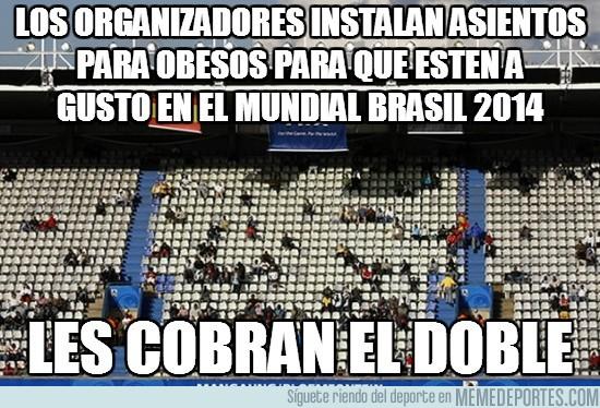 94807 - Los organizadores instalan asientos para obesos para que estén a gusto en el mundial Brasil 2014