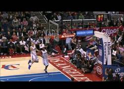 Enlace a VÍDEO: Increíble alley-oop de Jamal Crawford a Blake Griffin