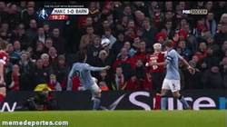Enlace a GIF: Fail de David Silva vs Barnsley