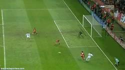 Enlace a GIF: Y gol del de siempre, Cristiano, que da el pase definitivo a cuartos