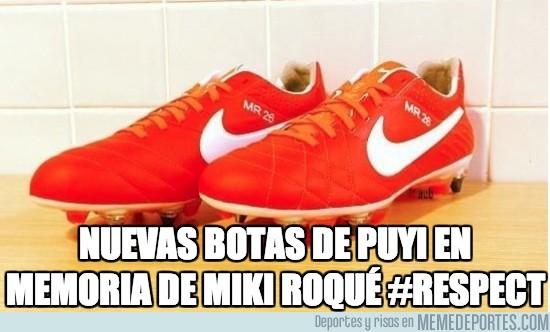 116189 - Las nuevas botas de Puyol