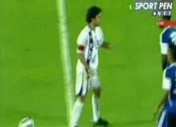Enlace a GIF: Para qué esperar el final del partido... Quiero tu camiseta