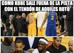 Enlace a Cómo Kobe sale de la pista con el tendón de Aquiles roto
