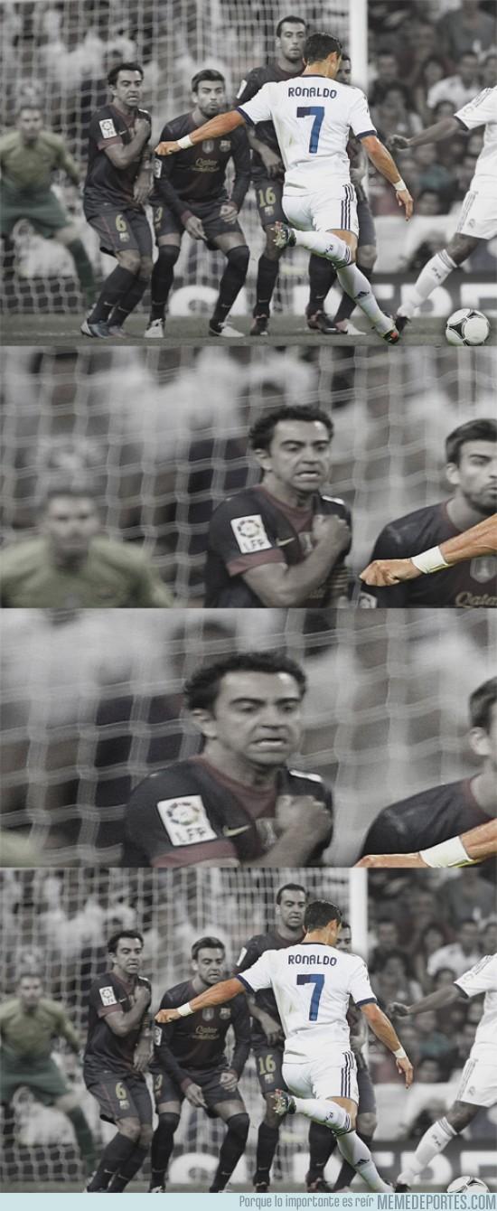 117537 - Cuando Cristiano Ronaldo tira una falta...