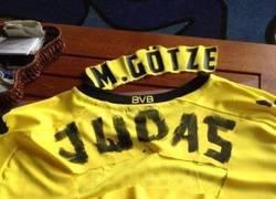 Enlace a La reacción de los aficionados del Borussia no se hizo esperar