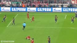 Enlace a GIF: Gol de Müller que hace el 4-0 ¿eliminatoria sentenciada?