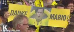 Enlace a GIF: Los aficionados del Dortmund son un ejemplo a seguir
