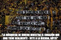 Enlace a Pancarta contra Götze en el Westfalenstadion