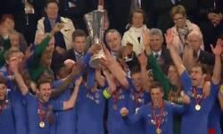 Enlace a GIF: Así celebró su victoria el Chelsea