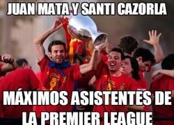 Enlace a Juan Mata y Santi Cazorla, dando asistencias desde tiempos inmemoriales