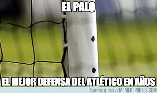 134073 - El palo, el mejor defensa del Atlético en años