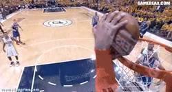 Enlace a GIF: Carmelo, access denied