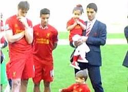 Enlace a GIF: El día que descubres que tu hijo no será futbolista
