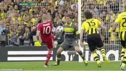 Enlace a GIF: Robben definitivamente no ha nacido para jugar finales