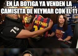 Enlace a En la botiga ya venden la camiseta de Neymar con el 11