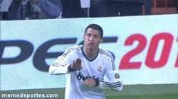 Enlace a GIF: Cristiano, ¿cómo irá el equipo si ficha a Gareth Bale?