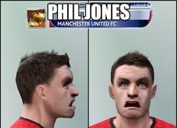 Enlace a Phil Jones, hasta en el PES