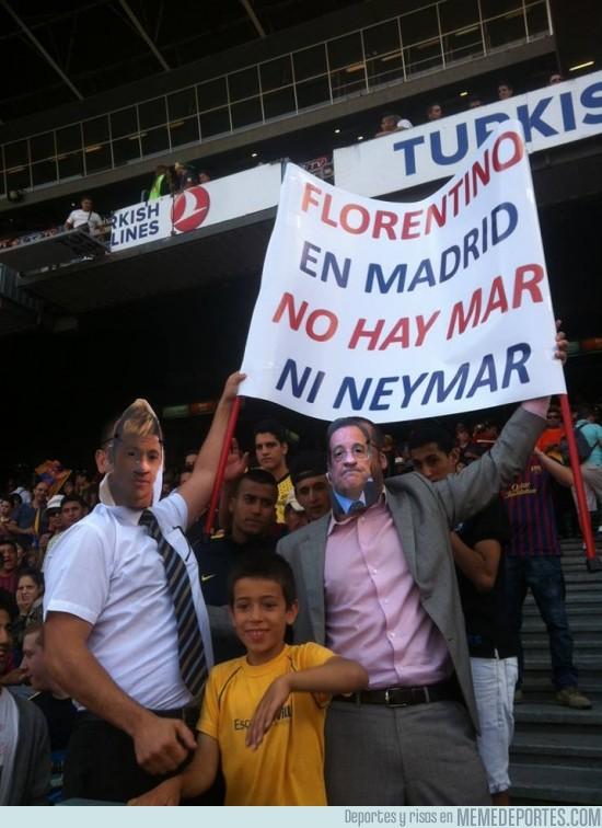 145075 - Pancarta de un aficionado en la presentación de Neymar