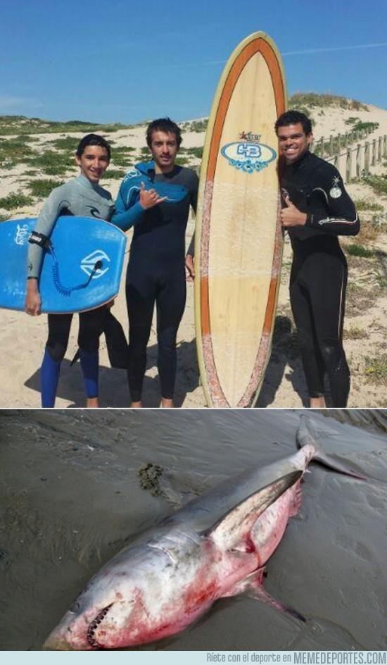 145957 - Pepe se relaja surfeando