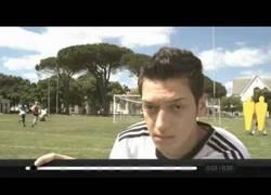 Enlace a VÍDEO: La mejor falta de Özil