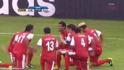 Enlace a GIF: La celebración de Tahití tras conseguir un gol ante Nigeria