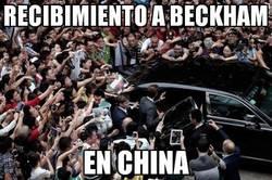 Enlace a Recibimiento a Beckham en China. ¿Están locos?