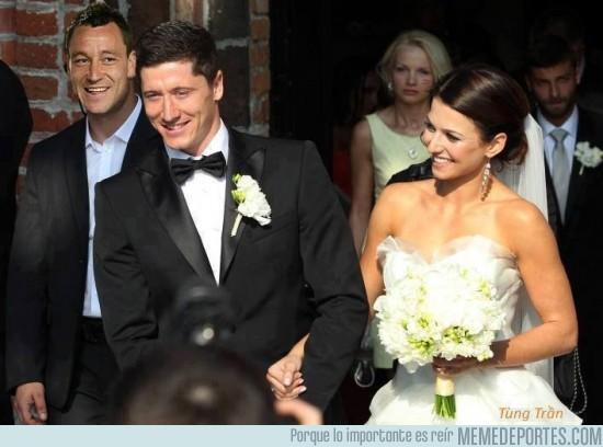 155842 - Lewandowski en su Matrimonio. ¡Felicidades!