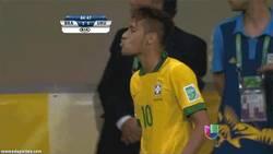Enlace a GIF: El beso de Neymar a Álvaro González